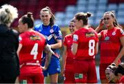 29 May 2021; Shelbourne goalkeeper Amanda Budden with her team-mates before the SSE Airtricity Women's National League match between Shelbourne and Wexford Youths at Tolka Park in Dublin. Photo by Piaras Ó Mídheach/Sportsfile