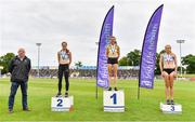 26 June 2021; Athletics Ireland CEO Hamish Adams, left, with Women's 800m medallists, from left, Siofra Cleirigh Buttner of Dundrum South Dublin AC, silver, Louise Shanahan of Leevale AC, Cork, gold, and Georgie Hartigan of Dundrum South Dublin AC, bronze, during day two of the Irish Life Health National Senior Championships at Morton Stadium in Santry, Dublin. Photo by Sam Barnes/Sportsfile