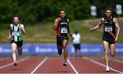 27 June 2021; Leon Reid of Menapians AC, Wexford, centre, on his way to winning the Men's 200m during day three of the Irish Life Health National Senior Championships at Morton Stadium in Santry, Dublin. Photo by Sam Barnes/Sportsfile
