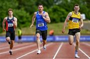 27 June 2021; Eanna Madden of Carrick-on-Shannon AC, Leitrim, centre, and Adam Murphy of Tinryland AC, Carlow, competing in the Men's 200m heats during day three of the Irish Life Health National Senior Championships at Morton Stadium in Santry, Dublin. Photo by Sam Barnes/Sportsfile