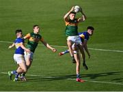 10 July 2021; Diarmuid O'Connor of Kerry, supported by team-mate David Moran wins possession from the throw-in at the start of the first half, ahead of Conal Kennedy, right, and Michael Quinlivan of Tipperary during the Munster GAA Football Senior Championship Semi-Final match between Tipperary and Kerry at Semple Stadium in Thurles, Tipperary. Photo by Piaras Ó Mídheach/Sportsfile