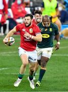 24 July 2021; Robbie Henshaw of the British and Irish Lions makes a break during the first test of the British and Irish Lions tour match between South Africa and British and Irish Lions at Cape Town Stadium in Cape Town, South Africa. Photo by Ashley Vlotman/Sportsfile