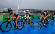 27 July 2021; Carolyn Hayes of Ireland, centre, in action during the Women's Triathlon at the Odaiba Marine Park during the 2020 Tokyo Summer Olympic Games in Tokyo, Japan. Photo by Stephen McCarthy/Sportsfile