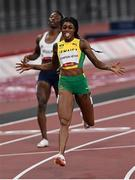 3 August 2021; Elaine Thompson-Herah of Jamaica celebrates winning the Women's 200 metre final at the Olympic Stadium during the 2020 Tokyo Summer Olympic Games in Tokyo, Japan. Photo by Ramsey Cardy/Sportsfile