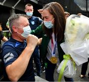 10 August 2021; Gold medallist Kellie Harrington with Mel Leonard of St Mary's Boxing Club, Tallaght, at Dublin Airport as Team Ireland's boxers return from the Tokyo 2020 Olympic Games. Photo by Seb Daly/Sportsfile