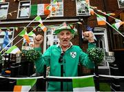 10 August 2021; Resident of Portland Row Richard Smithers celebrates as Team Ireland women's lightweight gold medallist Kellie Harrington returns home to Portland Row in Dublin from the Tokyo 2020 Summer Olympic Games. Photo by David Fitzgerald/Sportsfile