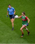 14 August 2021; Clodagh McManamon of Mayo in action against Hannah Tyrrell of Dublin during the TG4 Ladies Football All-Ireland Championship semi-final match between Dublin and Mayo at Croke Park in Dublin. Photo by Stephen McCarthy/Sportsfile