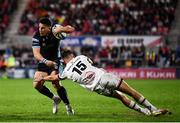 24 September 2021; Sam Johnson of Glasgow Warriors evades the tackle of Ethan McIlroy of Ulster during the United Rugby Championship match between Ulster and Glasgow Warriors at Kingspan Stadium in Belfast. Photo by Harry Murphy/Sportsfile