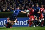 16 October 2021; Rónan Kelleher of Leinster offloads to Caelan Doris of Leinster on his way to scoring his side's fourth try during the United Rugby Championship match between Leinster and Scarlets at the RDS Arena in Dublin. Photo by Harry Murphy/Sportsfile