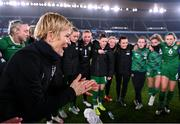 26 October 2021; Republic of Ireland manager Vera Pauw talks to her players after their victory in the FIFA Women's World Cup 2023 qualifying group A match between Finland and Republic of Ireland at Helsinki Olympic Stadium in Helsinki, Finland. Photo by Stephen McCarthy/Sportsfile