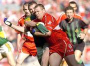 29 August 2004; Niall McCusker, Derry, in action against Dara O'Cinneide, Kerry. Bank of Ireland Senior Football Championship Semi-Final, Derry v Kerry, Croke Park, Dublin. Picture credit; Matt Browne / SPORTSFILE