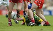 29 August 2004; Dara O Cinneide, Kerry, tries to win possession. Bank of Ireland Senior Football Championship Semi-Final, Derry v Kerry, Croke Park, Dublin. Picture credit; Ray McManus / SPORTSFILE