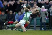 12 March 2005; Christophe Dominici, France, gets to the ball ahead of Denis Hickie, Ireland, after the ball crossed the tryline. RBS Six Nations Championship 2005, Ireland v France, Lansdowne Road, Dublin. Picture credit; Brendan Moran / SPORTSFILE