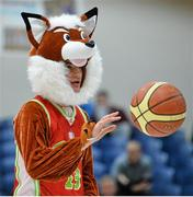 22 January 2014; Calasanctius College mascot Anton Brennan displays his basketball skill at half time. All-Ireland Schools Cup U16A Boys Final, Calasanctius College, Oranmore, Co. Galway v St Joseph's Patrician College, Nun's Island, Co. Galway. National Basketball Arena, Tallaght, Co. Dublin. Picture credit: David Maher / SPORTSFILE