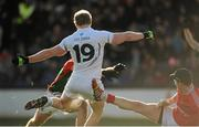 2 February 2014; Tomas O'Connor, Kildare, scores a goal past Robert Hennelly, right, Mayo. Allianz Football League, Division 1, Round 1, Kildare v Mayo, St Conleth's Park, Newbridge, Co. Kildare. Picture credit: Piaras Ó Mídheach / SPORTSFILE