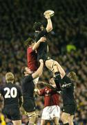 9 July 2005; Ali Williams, New Zealand, wins a lineout against Donnacha O'Callaghan, British and Irish Lions. British and Irish Lions Tour to New Zealand 2005, 3rd Test, New Zealand v British and Irish Lions, Eden Park, Auckland, New Zealand. Picture credit; Brendan Moran / SPORTSFILE