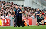 17 September 2006; Mayo manager Mickey Moran and assistant John Morrison, left, during the final moments of the game. Bank of Ireland All-Ireland Senior Football Championship Final, Kerry v Mayo, Croke Park, Dublin. Picture credit: Oliver McVeigh / SPORTSFILE