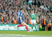 11 February 2007; Lionel Beauxis, France, attempts a drop goal which hit the post. RBS Six Nations Rugby Championship, Ireland v France, Croke Park, Dublin. Picture Credit: Brendan Moran / SPORTSFILE