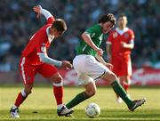 24 March 2007; Jonathan Douglas, Republic of Ireland, in action against Carl Robinson, Wales. 2008 European Championship Qualifier, Republic of Ireland v Wales, Croke Park, Dublin. Picture credit: David Maher / SPORTSFILE