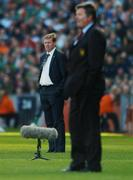 24 March 2007; Republic of Ireland manager Steve Staunton with Wales manager John Toshack during the game. 2008 European Championship Qualifier, Republic of Ireland v Wales, Croke Park, Dublin. Picture credit: David Maher / SPORTSFILE
