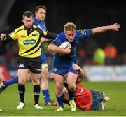26 December 2014; Luke Fitzgerald, Leinster, is tackled by Tommy O'Donnell, Munster. Guinness PRO12, Round 11, Munster v Leinster. Thomond Park, Limerick. Picture credit: Stephen McCarthy / SPORTSFILE