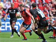 27 April 2008; Ronan O'Gara, Munster, breaks through the Saracens defence on his way to scoring his side's first try. Heineken Cup Semi-Final, Saracens v Munster, Ricoh Arena, Coventry, England. Picture credit: Brendan Moran / SPORTSFILE *** Local Caption ***