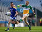 25 April 2015; Niall Darby, Offaly, in action against Ross McNerney, Longford. Allianz Football League, Division 4, Final, Longford v Offaly. Croke Park, Dublin. Picture credit: Cody Glenn / SPORTSFILE