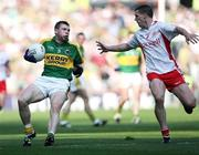 21 September 2008; Tomas O'Se, Kerry, in action against Colin Holmes, Tyrone. GAA Football All-Ireland Senior Championship Final, Kerry v Tyrone, Croke Park, Dublin. Picture credit: Oliver McVeigh / SPORTSFILE