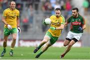 8 August 2015; Martin McElhinney, Donegal, in action against Kevin McLoughlin, Mayo. GAA Football All-Ireland Senior Championship Quarter-Final. Donegal v Mayo, Croke Park, Dublin. Picture credit: Stephen McCarthy / SPORTSFILE