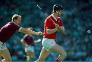 2 September 1990. Kevin Hennessy, Cork, in action against Sean Tracy, Galway. All-Ireland Hurling Final. Cork v Galway. Croke Park, Dublin. Picture credit: Ray McManus/SPORTSFILE