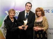 14 March 2009; Ross O'Donoghue, Sports Editor of Clare FM, centre, is presented with the award for Best Local Coverage by Liz Howard, Uachtarán Chumann Camógaíochta na nGael, with Susan Murphy, also of Clare FM, during the Cumann Camógaíochta na nGael Media Awards 2009. Croke Park, Dublin. Picture credit: Ray Lohan / SPORTSFILE