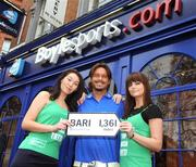 30 March 2009; Former Italian international Toto Schillaci with Boylesports' Debbie Gilmore, left, and Nicola McGeady at the launch of Boylesports' supporters promotion for Irish fans travelling to Bari for the crunch group 8 game between the Republic of Ireland and the Azzurre. Boylesports, Grafton Street, Dublin. Picture credit: Pat Murphy / SPORTSFILE