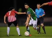 14 September 2015; Liam Miller, Cork City, in action against Barry McNamee, Derry City. Irish Daily Mail FAI Senior Cup Quarter-Final Replay, Cork City v Derry City. Turner's Cross, Cork. Picture credit: Eoin Noonan / SPORTSFILE