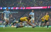 25 October 2015; Rob Simmons, Australia, scores his side's first try of the game. 2015 Rugby World Cup, Semi-Final, Argentina v Australia. Twickenham Stadium, Twickenham, London, England. Picture credit: Ramsey Cardy / SPORTSFILE