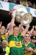 20 September 2009; Colm Cooper, Kerry, lifts the Sam Maguire cup. GAA Football All-Ireland Senior Championship Final, Kerry v Cork, Croke Park, Dublin. Picture credit: Ray McManus / SPORTSFILE