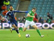 14 November 2009; Kevin Kilbane, Republic of Ireland, in action against Nicolas Anelka, France. FIFA 2010 World Cup Qualifying Play-off 1st Leg, Republic of Ireland v France, Croke Park, Dublin. Picture credit: Stephen McCarthy / SPORTSFILE