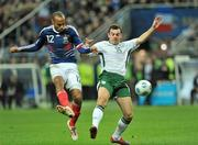 18 November 2009; Darron Gibson, Republic of Ireland, in action against Thierry Henry, France. FIFA 2010 World Cup Qualifying Play-off 2nd Leg, Republic of Ireland v France, Stade de France, Saint-Denis, Paris, France. Picture credit: David Maher / SPORTSFILE