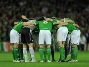 14 November 2009; The Republic of Ireland team form a huddle ahead of the game. FIFA 2010 World Cup Qualifying Play-off 1st Leg, Republic of Ireland v France, Croke Park, Dublin. Picture credit: Stephen McCarthy / SPORTSFILE
