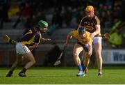 21 February 2016; John Conlan, Clare, in action against Shaun Murphy and Andrew Shore, Wexford. Allianz Hurling League, Division 1B, Round 2, Wexford v Clare. Innovate Wexford Park, Wexford. Picture credit: Piaras Ó Mídheach / SPORTSFILE