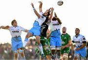 21 May 2016; Sean Lamont and Leone Nakarawa, right, of Glasgow Warriors with Jake Heenan of Connacht during the Guinness PRO12 Play-off match between Connacht and Glasgow Warriors at the Sportsground in Galway. Photo by Stephen McCarthy/Sportsfile