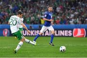 22 June 2016; Wes Hoolahan of Republic of Ireland has a shot on goal during the UEFA Euro 2016 Group E match between Italy and Republic of Ireland at Stade Pierre-Mauroy in Lille, France. Photo by Stephen McCarthy/Sportsfile