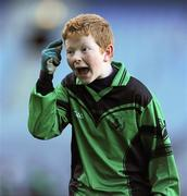 11 January 2011; Sean Heeran, St. Josephs BNS, signals for his team-mates to use their heads after scoring a late goal. Allianz Cumann na mBunscol Football Finals, Corn na nGearaltach, St. Pius X BNS, Terenure v St. Josephs BNS, Terenure. Croke Park, Dublin. Picture credit: Barry Cregg / SPORTSFILE