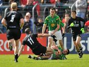 22 May 2011; Eamonn O'Hara, Sligo, and Emlyn Mulligan, Leitrim, clash during the closing stages of the game resulting in referee Rory Hickey sending off both players. Connacht GAA Football Senior Championship Quarter-Final, Sligo v Leitrim, Markievicz Park, Sligo. Picture credit: David Maher / SPORTSFILE