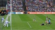 18 September 2011; Colm Cooper, Kerry, scores his side's goal. GAA Football All-Ireland Senior Championship Final, Kerry v Dublin, Croke Park, Dublin. Picture credit: Stephen McCarthy / SPORTSFILE
