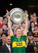 20 September 2009; Colm Cooper, Kerry, lifts the Sam Maguire cup. GAA Football All-Ireland Senior Championship Final, Kerry v Cork, Croke Park, Dublin. Picture credit: Stephen McCarthy / SPORTSFILE