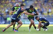 23 April 2017; Isa Nacewa of Leinster is tackled by Damien Penaud of ASM Clermont Auvergne during the European Rugby Champions Cup Semi-Final match between ASM Clermont Auvergne and Leinster at Matmut Stadium de Gerland in Lyon, France. Photo by Stephen McCarthy/Sportsfile