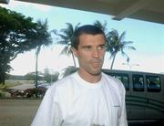 24 May 2002; The former Republic of Ireland captain Roy Keane arrives at Saipan International Airport. Soccer. Cup2002. Picture credit; David Maher / SPORTSILE *EDI*