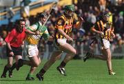 9 June 2002; Henry Shefflin, Kilkenny, races clear of Offaly's Hubert Rigney. Kilkenny v Offaly, Guinness Leinster Hurling Championship, Semple Stadium, Thurles, Co. Tipperary. Picture credit; Ray McManus / SPORTSFILE