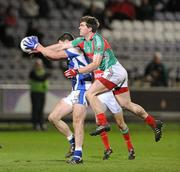 4 February 2012; Seamus O'Shea, Mayo, in action against Brendan Quigley, Laois. Allianz Football League, Division 1, Round 1, Laois v Mayo, O'Moore Park, Portlaoise, Co. Laois. Picture credit: Matt Browne / SPORTSFILE