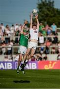 17 June 2017; Kevin Feely of Kildare in action against Bryan Menton of Meath during the Leinster GAA Football Senior Championship Semi-Final match between Meath and Kildare at Bord na Móna O'Connor Park in Tullamore, Co Offaly. Photo by Piaras Ó Mídheach/Sportsfile